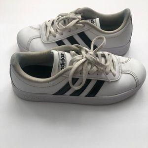 {preloved} Boys White and Black Adidas